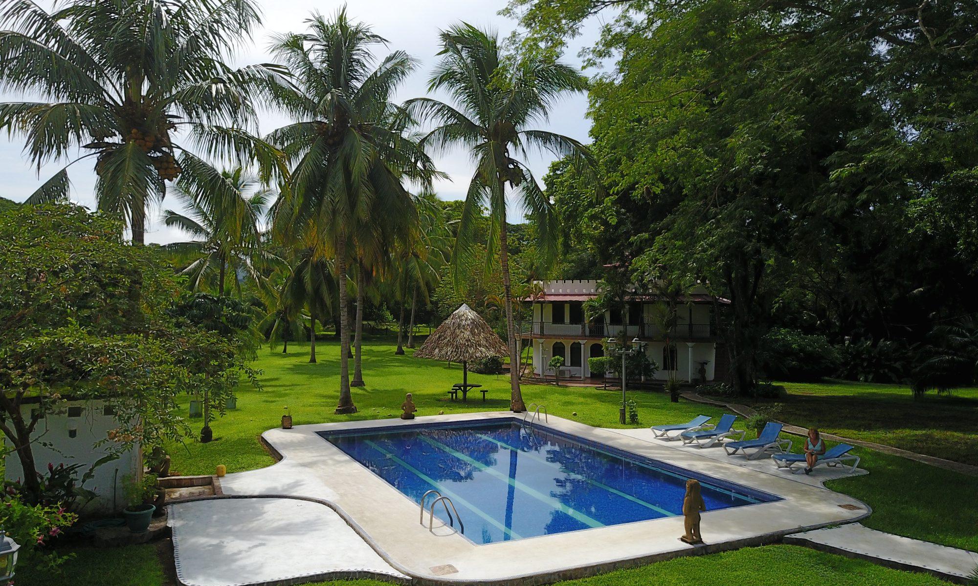 Pool of the hotel logde Paraíso del Cocodrilo